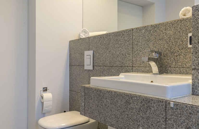 Graniet tegels in toilet