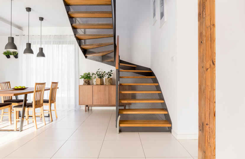 Nieuwe moderne trap