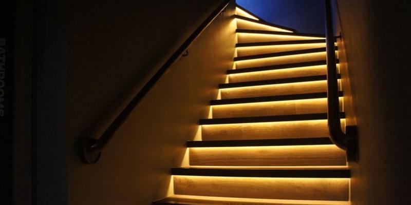 trapverlichting trapverlichting leuning trapverlichting spots trap zijwangen verlichten