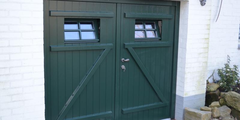 Favoriete Wat kost een houten garagedeur? | Prijzen vergelijken | Slimster #JM24