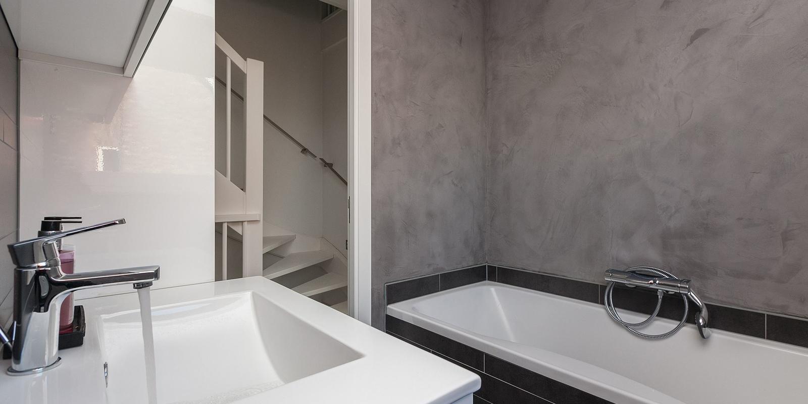 Beton cire prijzen 2019 vergelijk kosten betonstuc for Wat kost stucen per m2