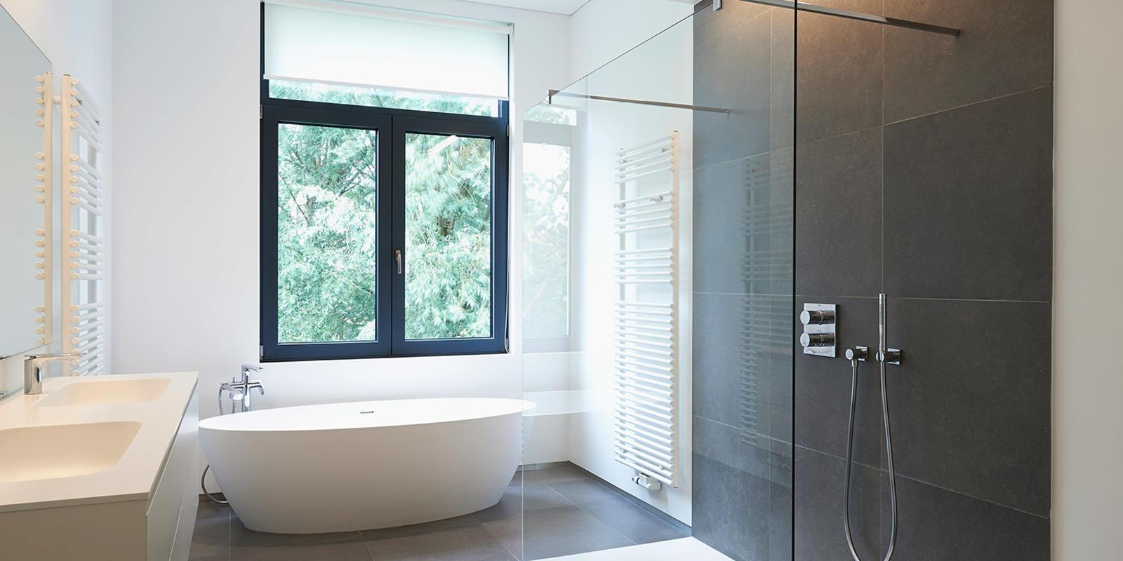 ligbad in badkamer