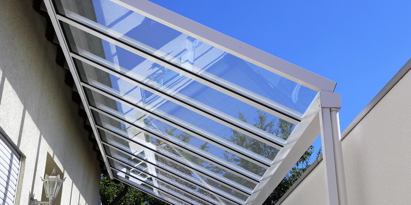 Glazen dak isoleren