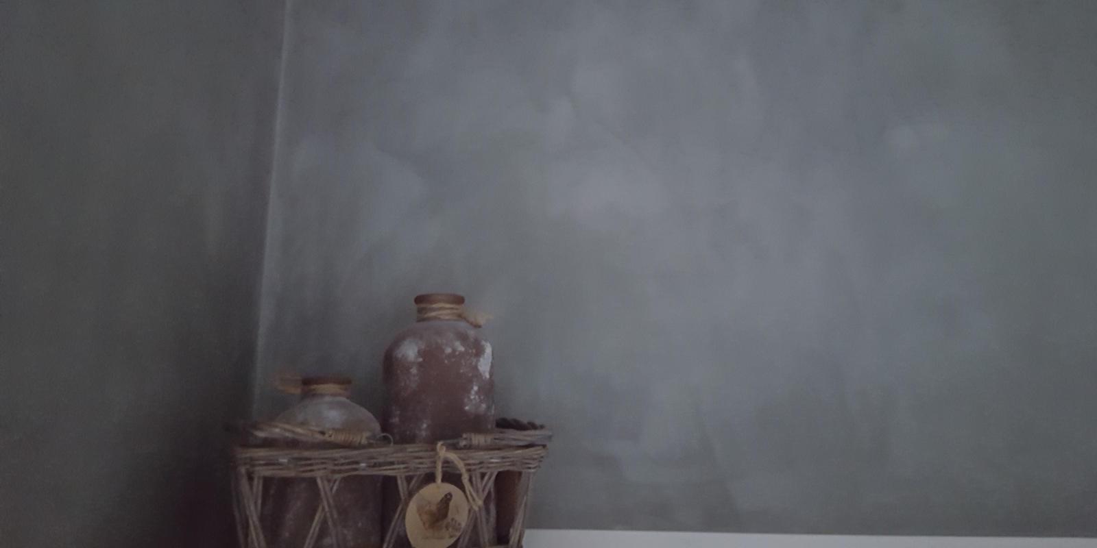 Betonlook verf kosten prijs betonlook wanden muren for Wat kost een huis schilderen