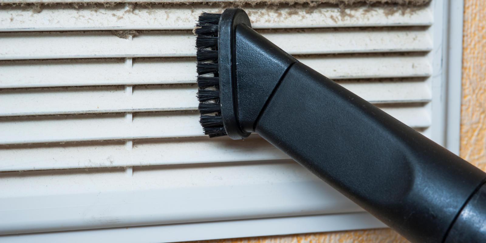 Ventilatierooster schoonmaken