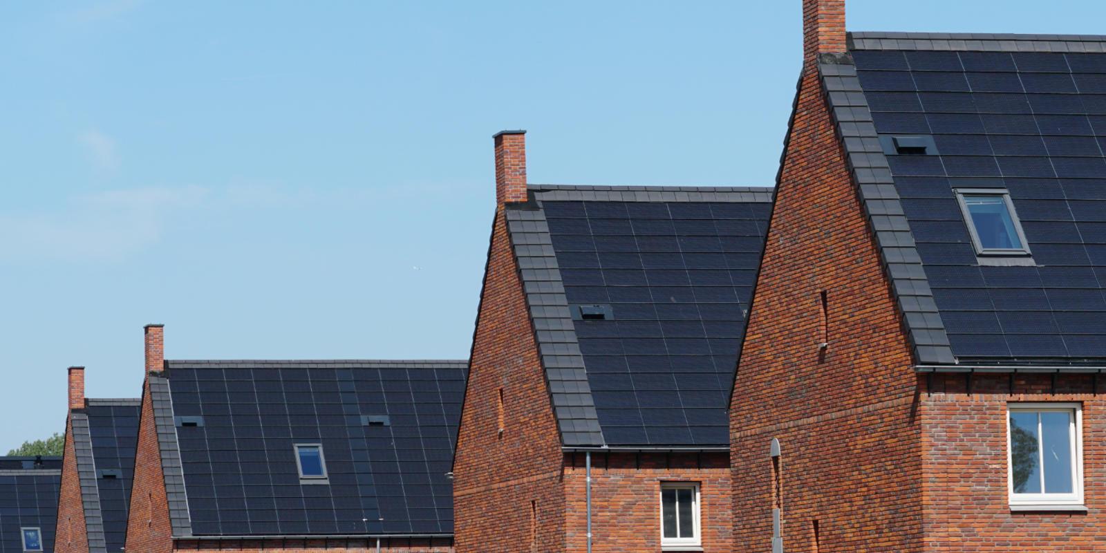 zonnepanelen in dak geintegreerd