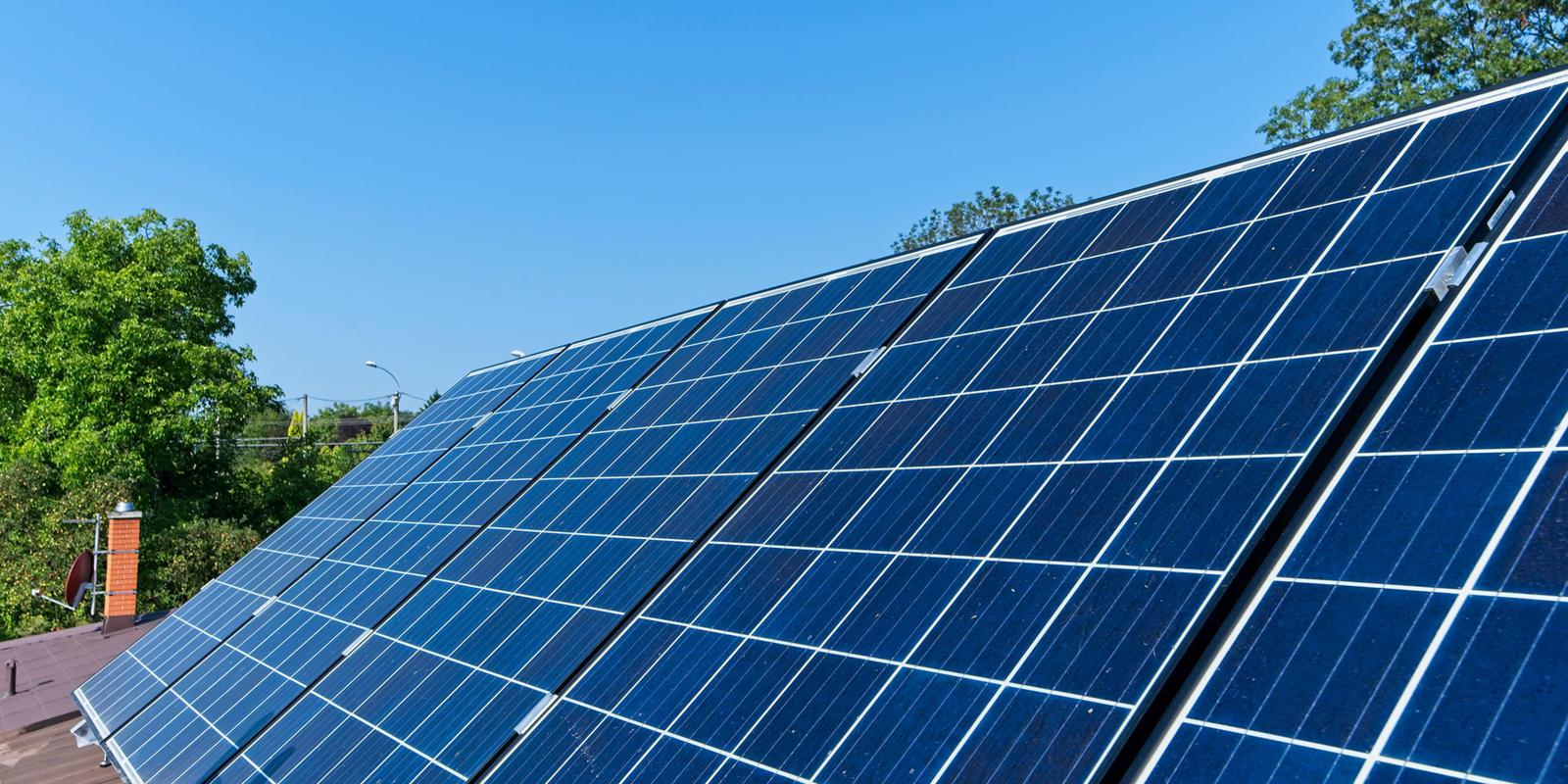 zonnepanelen plat dak plaatsen