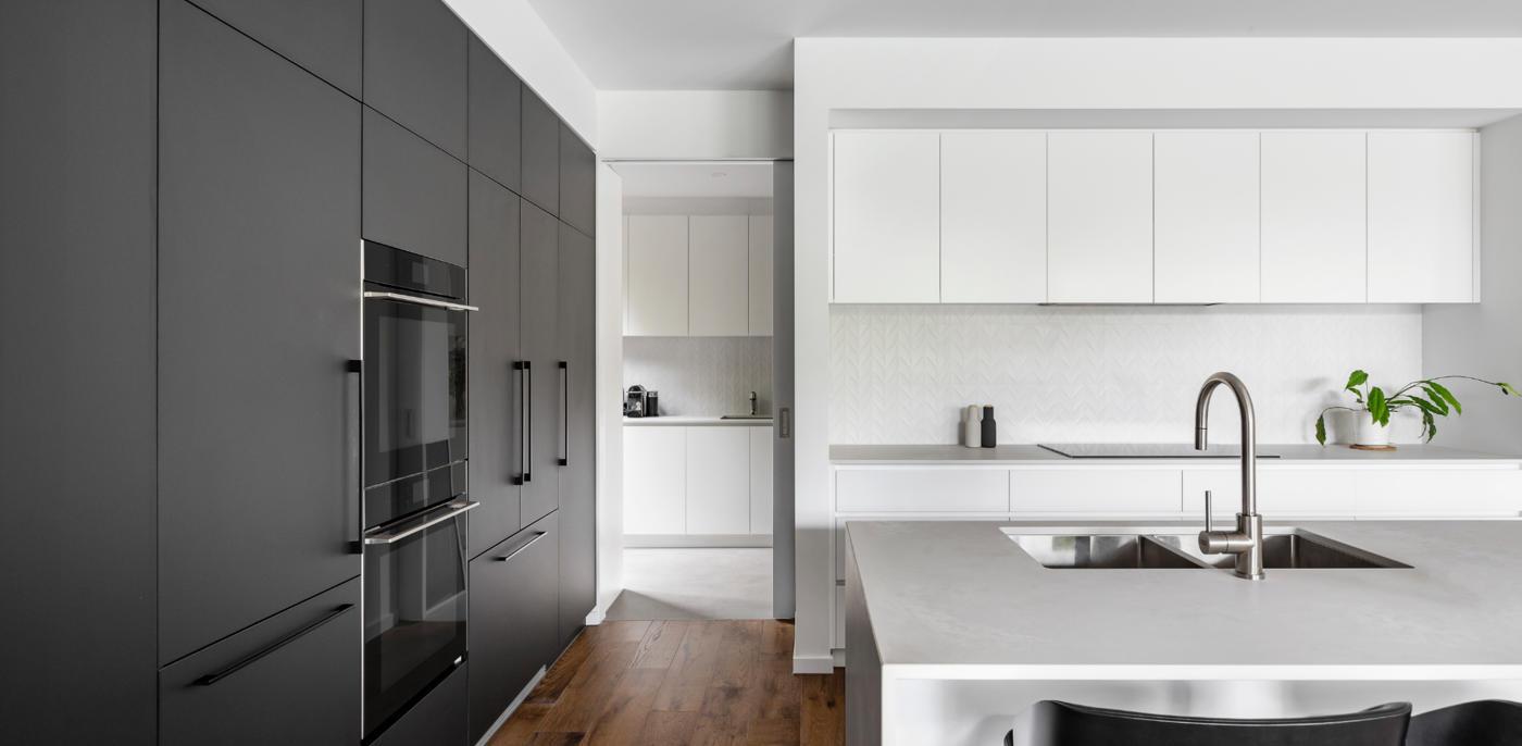 Kosten keuken schilderen? Zelf doen of laten doen → Slimster