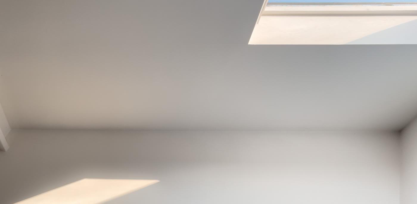 Vlakke lichtkoepel plaatsen? Platdakraam prijzen & info → Slimster