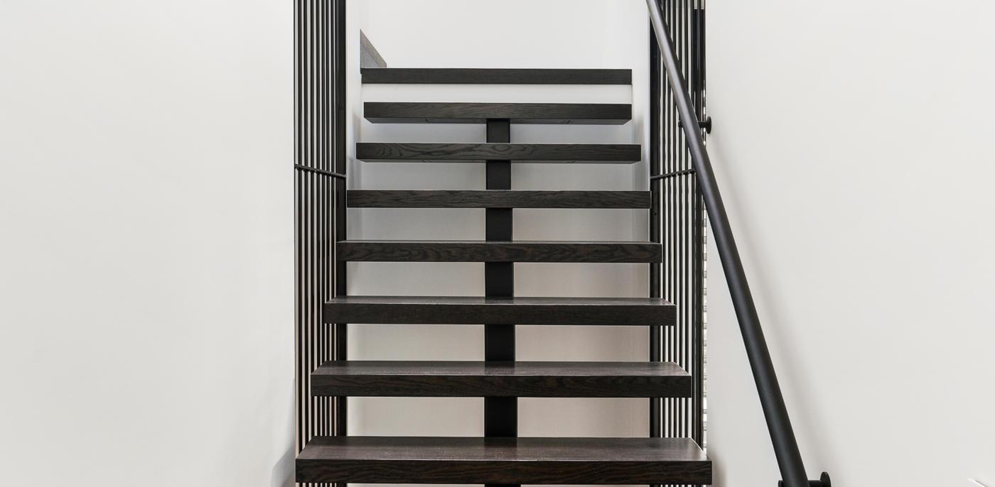 Zwarte trap? Zwarte trapbekleding inspiratie  - Slimster