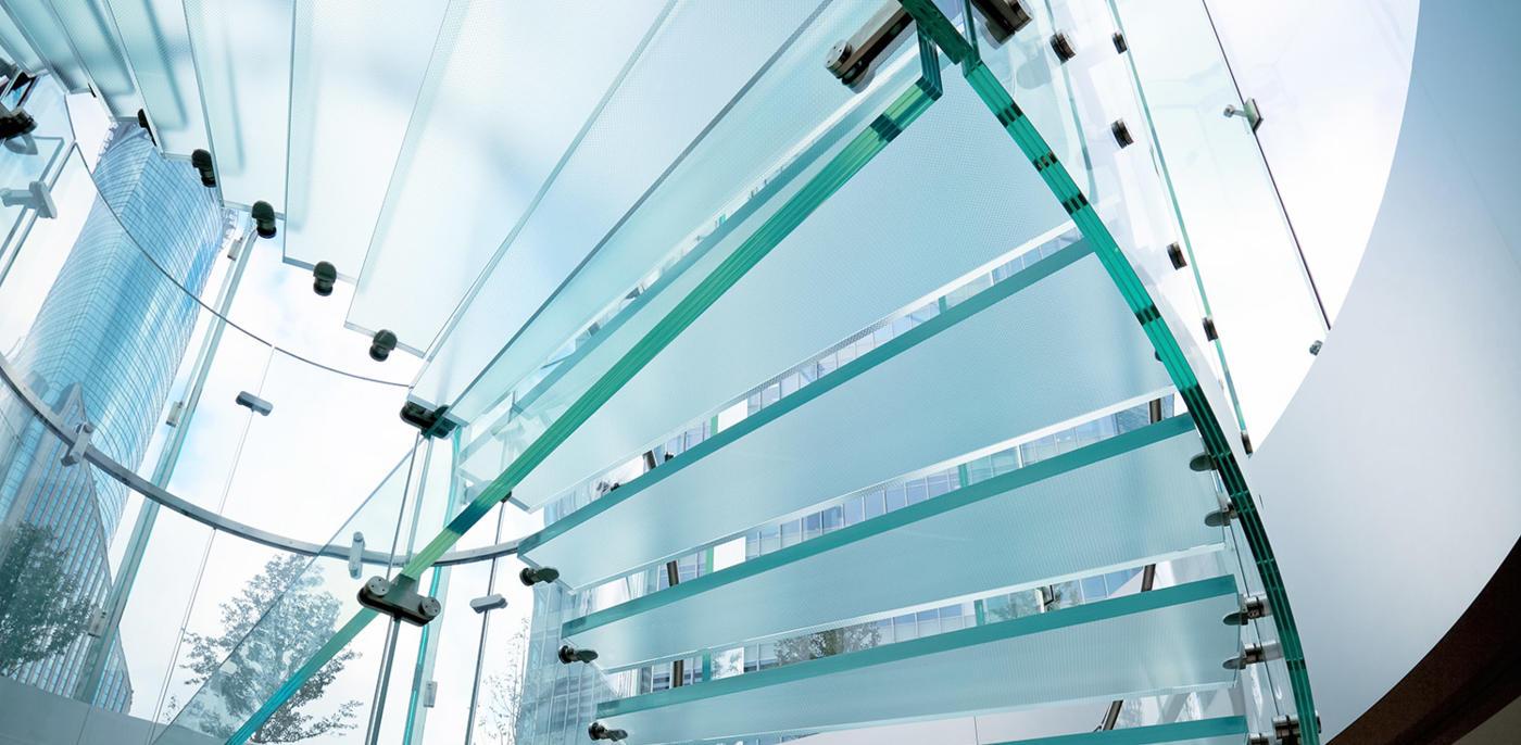 Wat kost een glazen trap plaatsen?