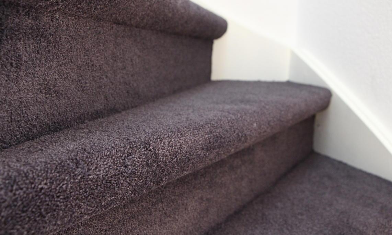 Trap Tapijt Leggen : Trap bekleden met tapijt vloerbedekking op trap slimster