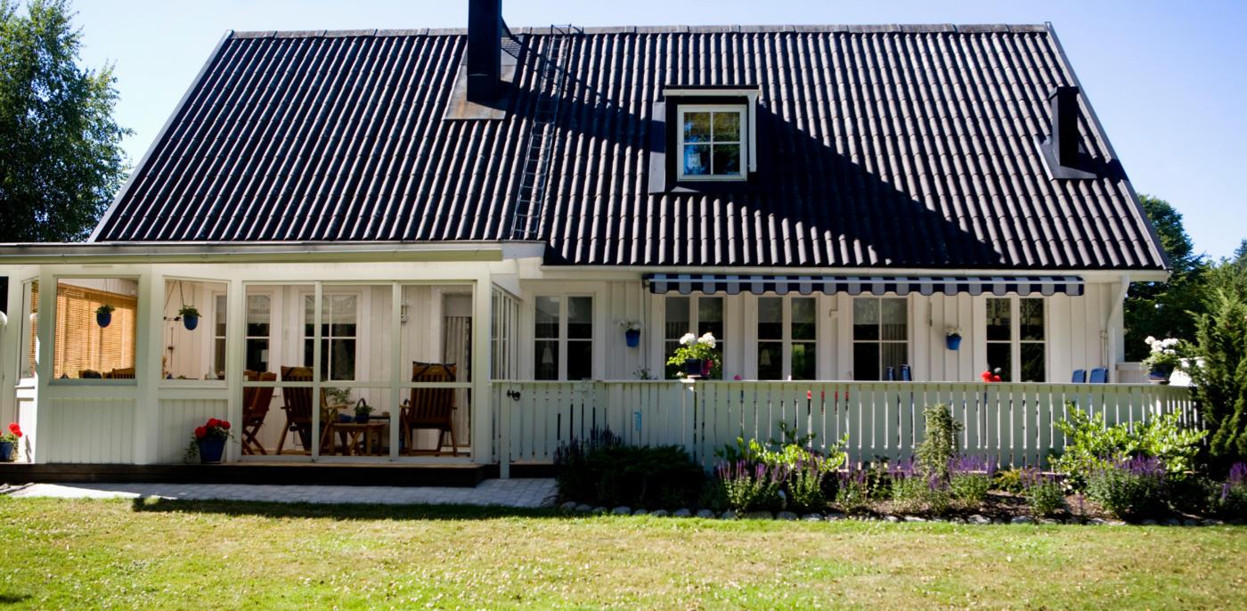Zwarte dakkapel plaatsen