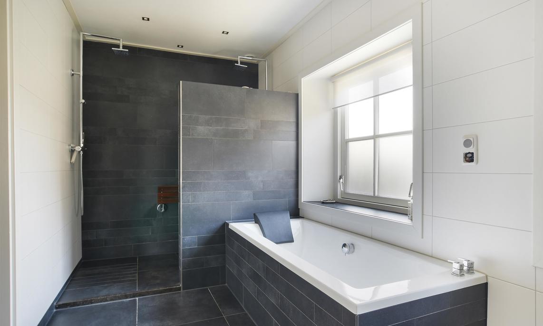 Badkamer Plaatsen Kosten : Inloopdouche plaatsen prijzen en mogelijkheden slimster