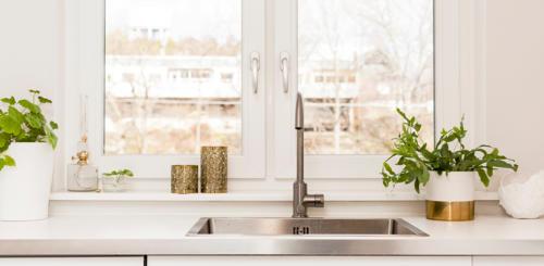 witte keuken kleur muur