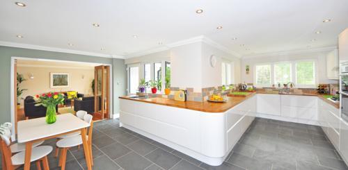 grijze vloertegels keuken