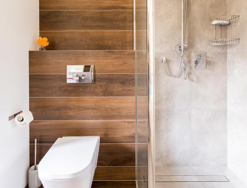 Houtlook badkamer
