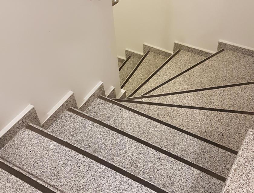 Antislip op trap