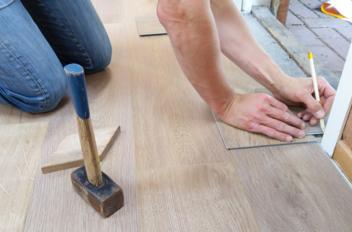 Zelf vloer leggen of laten doen door vakman?