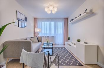 Kleine woonkamer groter laten lijken? 11 tips!
