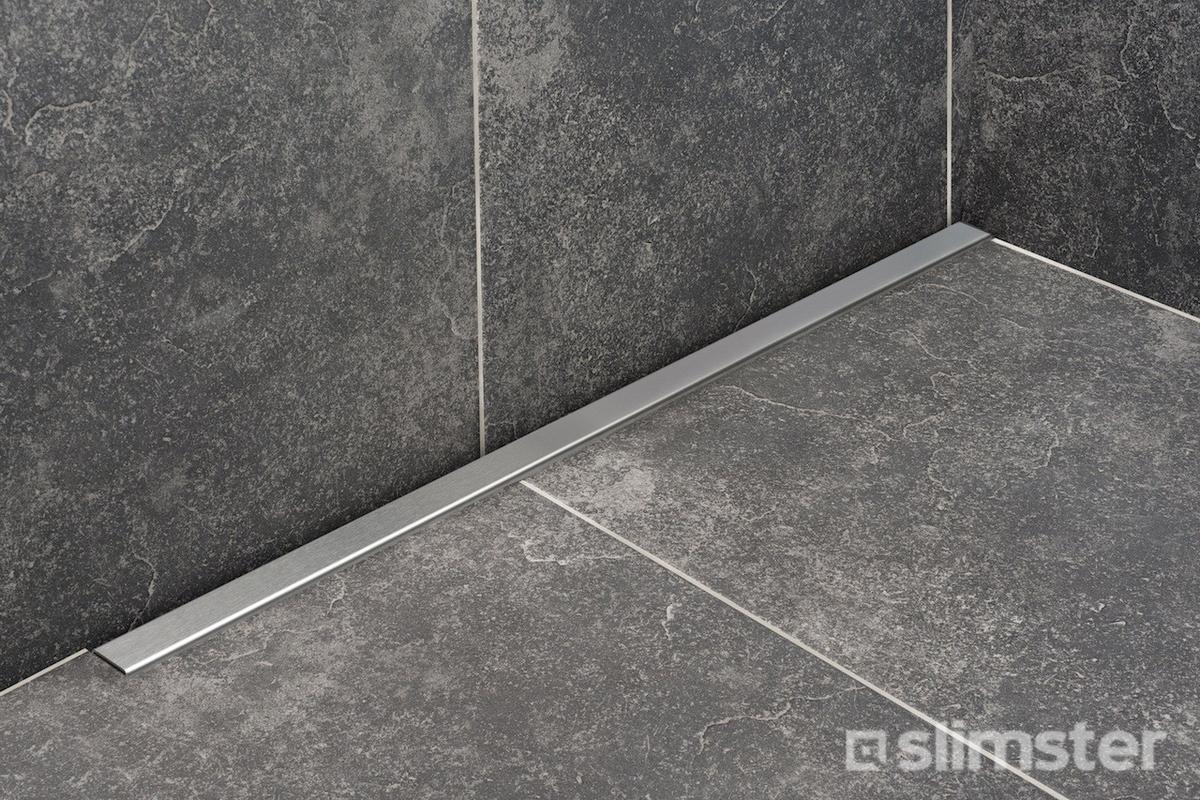 Zwarte badkamer voorbeelden inspiratie slimster for Hoe tegels plaatsen badkamer