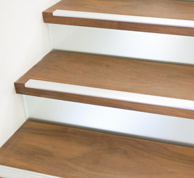 Antislip traptreden trap renoveren met antislip for Dikte traptreden hout