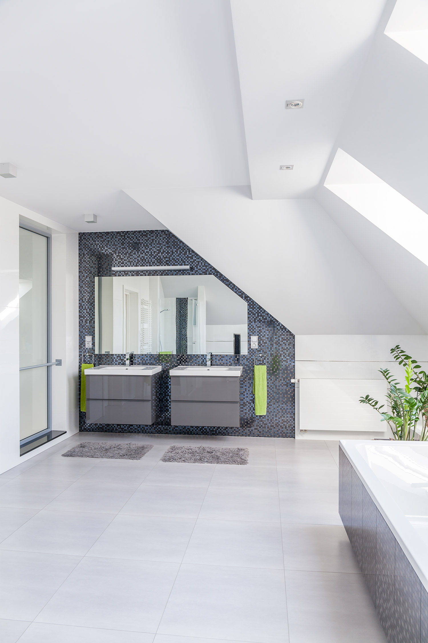Rustige, strakke badkamer