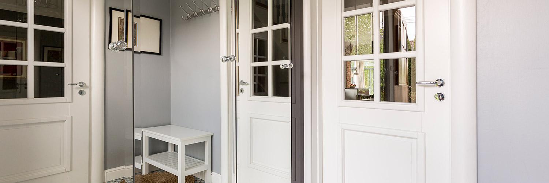 houten kozijn met deuren